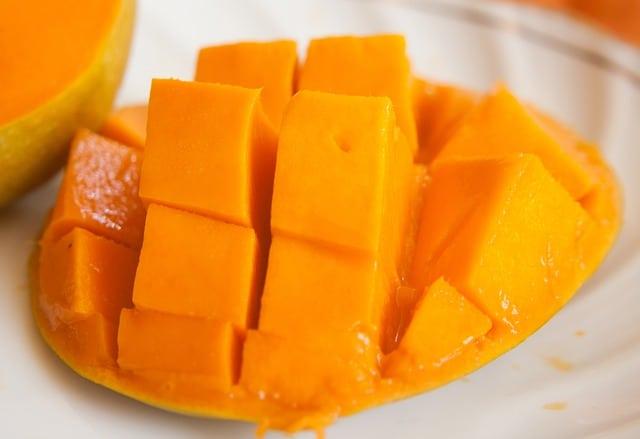 Is mango ok for guinea pigs?