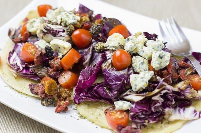 Can guinea pigs eat cooked radicchio lettuce?