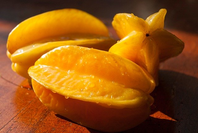 How to prepare star fruit for our guinea pigs?