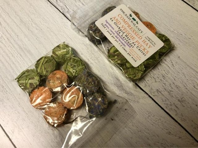 Esty Compressed Hay and Veggie Pucks Treats For Guinea Pig