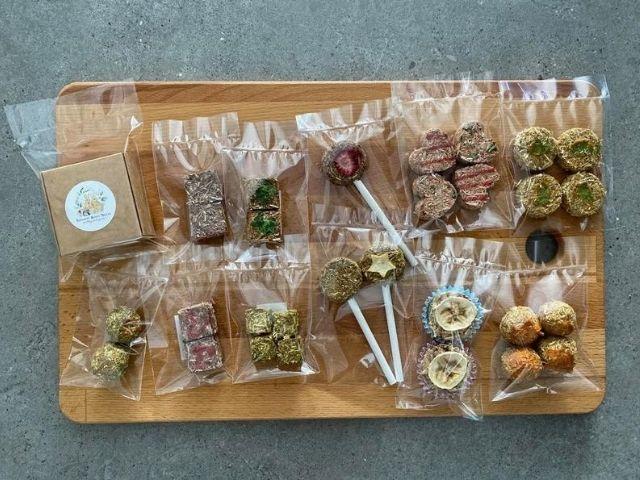 Esty Gift box guinea pig treats